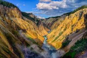 Yellowstone-Canyon.jpg